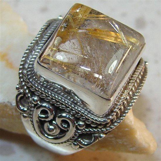 Перстень с кварцем