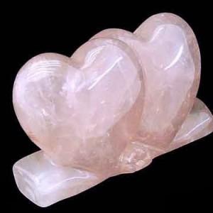 Сердца из розового кварца