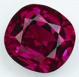 Кристалл винного рубина