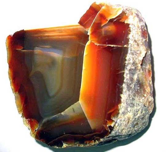 Природный минерал сердолик