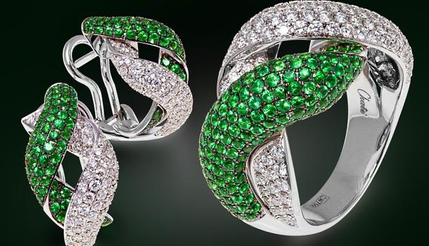 Комплект с изумрудами и бриллиантами