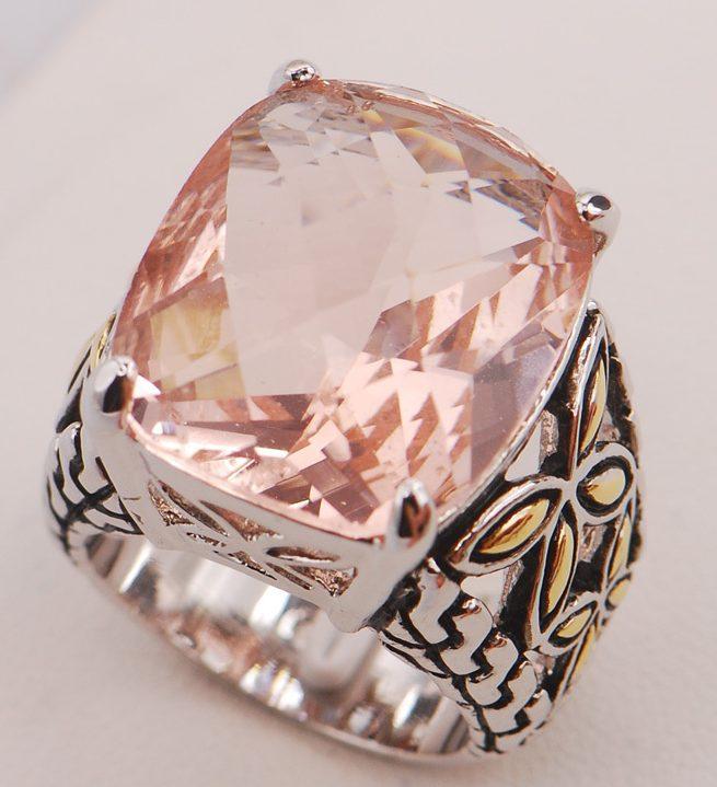 Перстень с морганитом