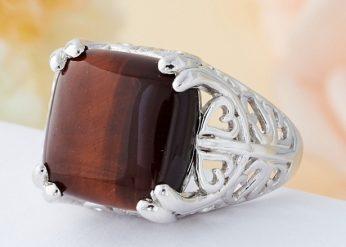 Кольцо с камнем Бычий глаз