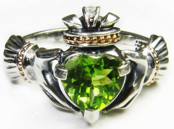 Кольцо с Хризолитом, сердце