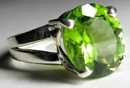 Кольцо с Хризолитом