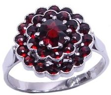 Кольцо цветок с Альмандином