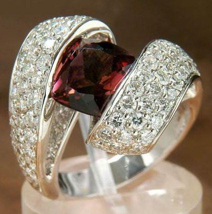 Кольцо с Альмандином