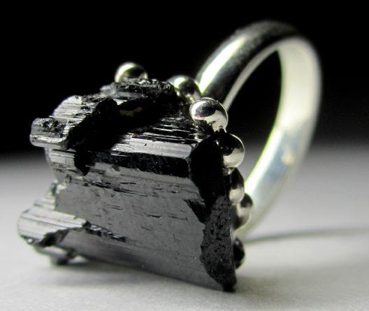 Кольцо с Черным Турмалином