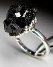 Кольцо с Черным Турмалином в виде розы