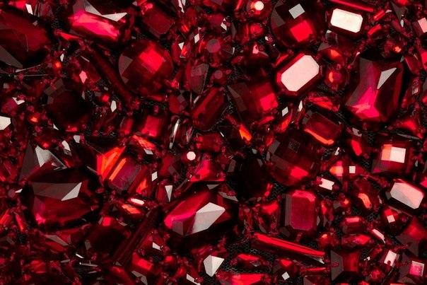 Камень рубин : свойства, виды, кому подходит