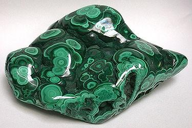 Малахит камень краткое описание для детей. Малахит – павлиний камень и его магические свойства. Как выявить искусственный малахит