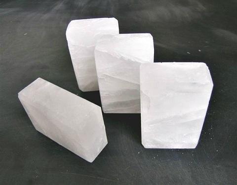 Камень Алунит