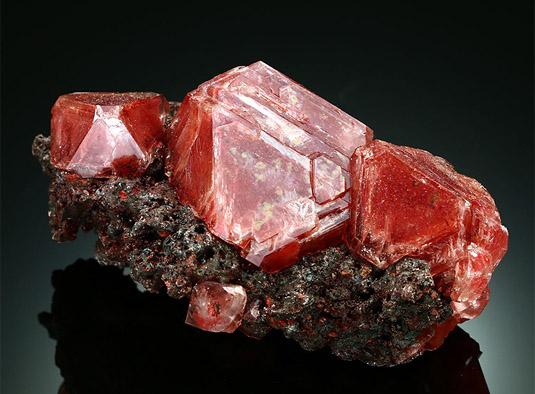 Алунит камень