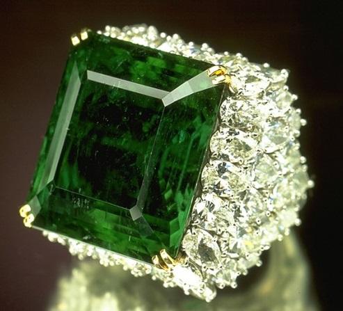 Перстень с Демантоидом